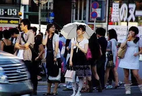 《日本女性:化妆是出于一种对对方礼貌的态度》