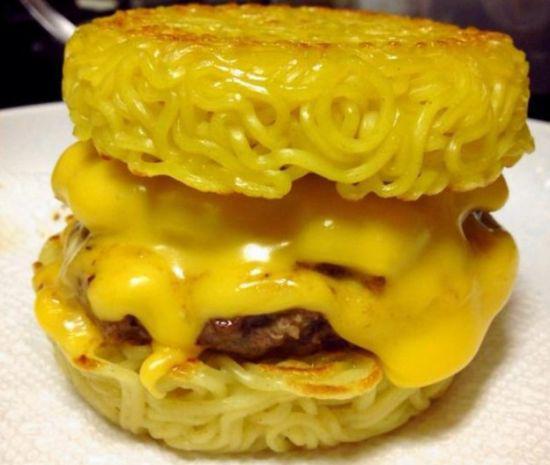 """《拉面汉堡受追捧吃过没~日本料理的""""变异""""喔~》"""