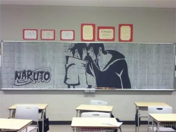 《来看看日本学生的教室后面的黑板报》