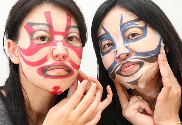 《日本推出的四款妖怪脸面膜》