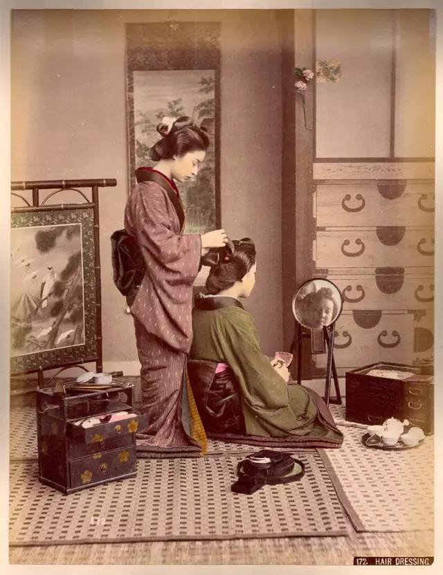 《纪录下19世纪日本武士与艺妓真实生活的一些影像》