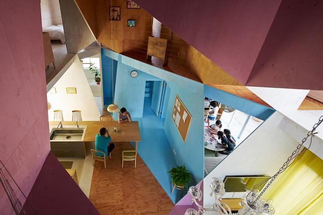 《东京某住宅的大胆改造 APARTMENT HOUSE BY KOCHI ARCHITECT'S STUDIO》
