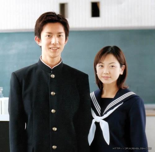 《日本中学校服进化史》