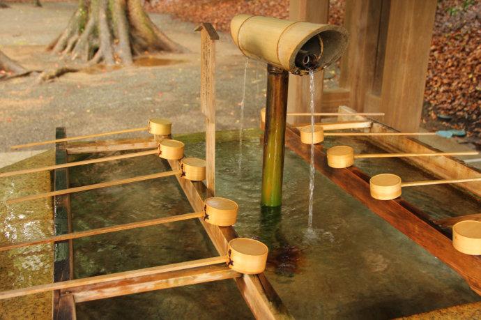 《深度解读日本寺庙前的洗手亭》