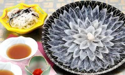 《为什么河豚有剧毒日本人还拼死狂吃?》