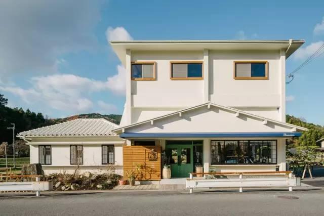 《设计中充满巧思的日本鼻町SATODUTO餐厅》