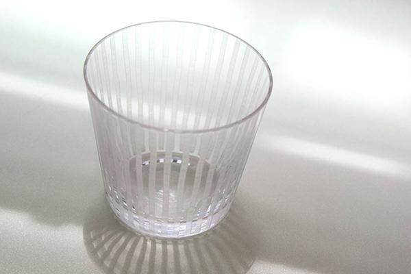 """《喝水时会看见""""钻石"""",堀口彻改进 200 年江户切子工艺》"""