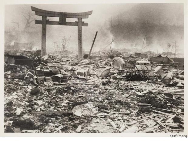 """《记者山端庸介镜头中的""""长崎原子弹爆炸后的现场""""》"""
