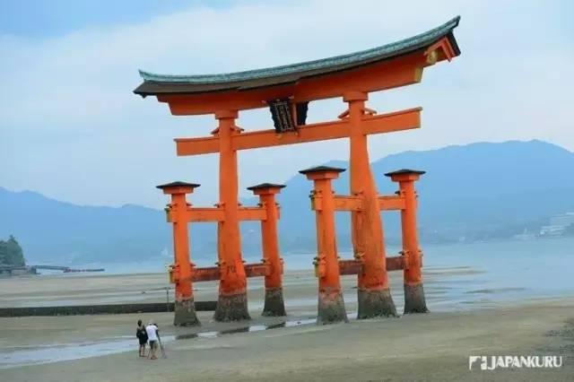 《享受一场广岛之恋 探访世界遗产严岛神社》
