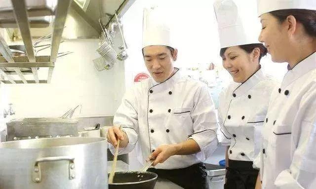 《日本永住和日籍,哪个更适合华人?》